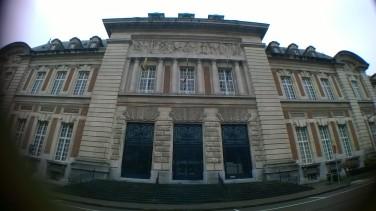 rechtbank buiten
